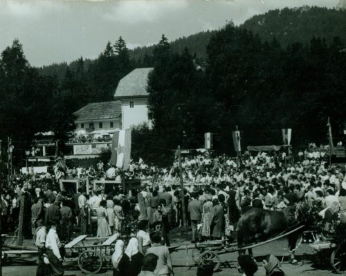Jezersko-Ovcarski-bal_02-1200×860