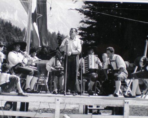 Ovcarski-bal_01_008-1958-1200×860